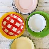 Weinlese-Platten sortierten keramisches Tin China Color Pattern White-Ba Stockbild