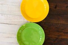 Weinlese-Platten sortierten keramisches Tin China Color Pattern White-Br Stockfotos