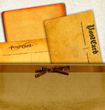 Weinlese-Postkarten im Umschlag Lizenzfreies Stockbild