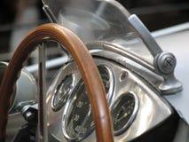 Weinlese-Rennwagen lizenzfreie stockbilder