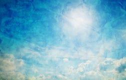 Weinlese, Retro- Bild des sonnigen blauen Himmels. Stockbild