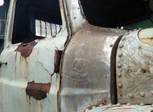 Weinlese-Retrostil-LKW des Nahaufnahmedetails alter benutzt in THAILAND Stockfoto