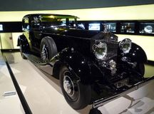 Weinlese-Rolls Royce-Anzeige an BMW-Museum Stockfotografie