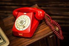 Weinlese-Rot-Telefon stockbilder