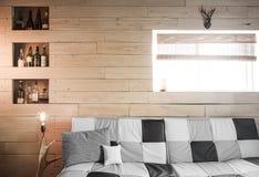 Weinlese-rustikale flache alte Planke der hölzernen Wand-Perspektive mit Horn Lizenzfreie Stockbilder