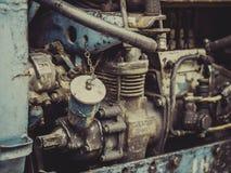 Weinlese-Rusty Tractor-Maschinenabschluß oben Lizenzfreies Stockfoto