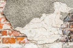 Weinlese-Schmutzwand des Ziegelsteines alte mit Sprungsnahaufnahmebeschaffenheit Stockbilder