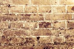 Weinlese-Schmutzwand des Ziegelsteines alte mit Sprungsnahaufnahmebeschaffenheit Lizenzfreie Stockfotos