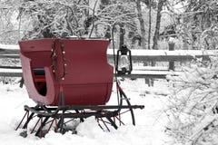 Weinlese-Schnee-Pferdeschlitten Stockfotos