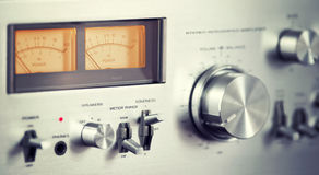 Weinlese-Stereoaudioverstärker Front Panel Volume Knob Lizenzfreies Stockfoto