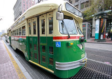 Weinlese Streetcar im Service an der f-Marktzeile Stockfotografie