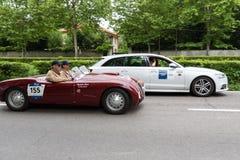 Weinlese Supercar beim Sammlungslaufen lizenzfreies stockfoto