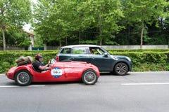 Weinlese Supercar beim Sammlungslaufen stockfotos