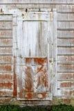 Weinlese Tür aufgebautes im Jahre 1850 s an der alten Molkereiranch von Pierce Point Ranch stockbild