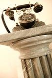 Weinlese-Telefon auf Bedienpult Lizenzfreie Stockfotos