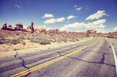 Weinlese tonte Bild einer szenischen Straße, Reisekonzept, USA Stockbild