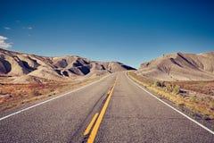 Weinlese tonte Bild einer verlassenen Straße Lizenzfreies Stockfoto
