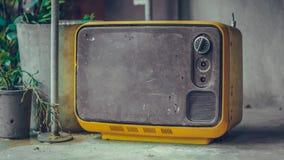 Weinlese-tragbares Fernsehalte Sammlung stockbilder