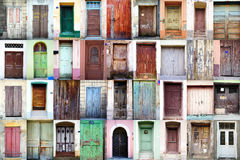 Weinlese-Türen Stockfotos
