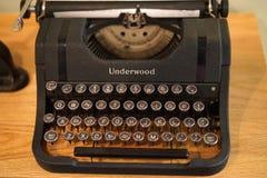 Weinlese-Unterholzhandbuchschreibmaschine Stockbild
