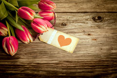 Weinlese-Valentinsgrüße oder Jahrestagsgeschenk Stockbild
