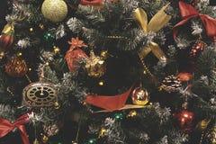 Weinlese verzierte Weihnachtsbaum-Feenhintergrund Stockbilder