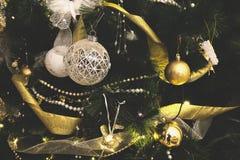 Weinlese verzierte Weihnachtsbaum-Feenhintergrund Lizenzfreies Stockfoto