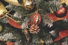 Weinlese verzierte Weihnachtsbaum-Feenhintergrund Stockbild