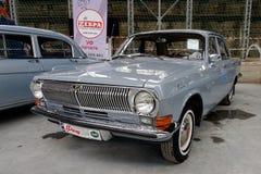 Weinlese Volga GAZ-24 Motor- Archivbild Lizenzfreie Stockfotos