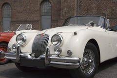Weinlese-weißer Jaguar - Kabriolett Stockfotos
