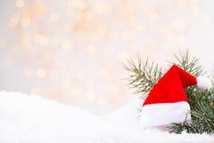 Weinlese-Weihnachtshintergrund mit Weihnachtsdekoration Lizenzfreie Stockfotos