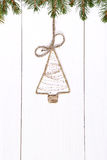 Weinlese-Weihnachtsverzierung auf einem hölzernen Hintergrund Lizenzfreie Stockbilder