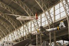 Weinlese-Werbungs-Flugzeug stockbilder