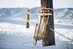 Weinlese-Winter-Schlitten stockbild