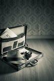 Weinleseaktenkoffer des Detektivs Stockbild