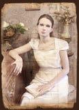 Weinleseartfrau mit Buch stockfotografie