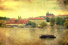 Weinleseartpanorama von altem Prag Stockbild