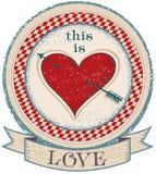Weinleseaufkleber auf alter Papierbeschaffenheit mit rotem Herzen Eine Vektorillustration Auch im corel abgehobenen Betrag Stockbild