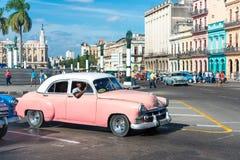Weinleseauto in altem Havana Stockbild