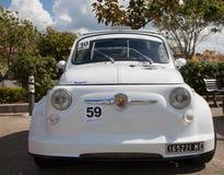 Weinleseauto Fiat 500 Abarth Stockfotos