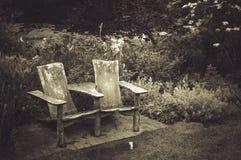 Weinlesebank bei Daniel Stowe Botanical Gardens Lizenzfreie Stockbilder