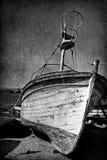 Weinlesebild des alten Bootes des Wrackes lizenzfreie stockfotografie