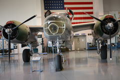 Weinlesebomberflugzeuge mit runden Maschinen Stockbild