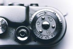 Weinleseentfernungsmesserkamera getrennt über Weiß lizenzfreie stockfotos