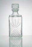 Weinleseflasche auf weißem Hintergrund Stockbild