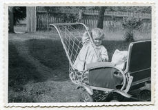 Weinlesefoto des Babys Lizenzfreie Stockfotografie