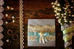 Weinlesefoto Hochzeitsblumenstrauß von Maiglöckchen und von Ring Stockbilder