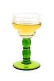 Weinleseglas mit weißem Wein Stockfotos