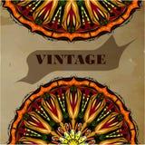 Weinlesegrußkarte mit Mandala auf Weinlesehintergrund Lizenzfreies Stockfoto