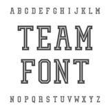 Weinleseguß Platte Serif Retro Typeface Universität Team Style Stockfotos